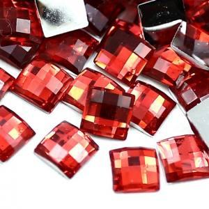 Стразы фигурные пластик красный квадрат 1шт 3x3мм