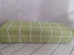 Подлокотник для рук зеленый клетка