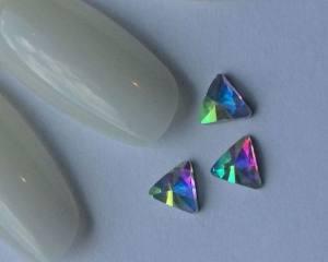 Стразы фигурные стекло crystal AB треугольник №33-5-5 1шт