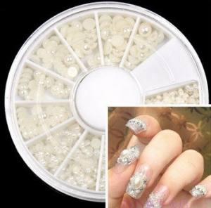 Жемчуг белый для ногтей разного размера карусель