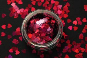 Камифубики (сердечки) конфетти красные для дизайна ногтей 02