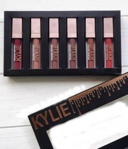 Набор жидких помад KYLIE Matte liquid Lipstick Rouge a Levres (упаковка черная с золотистым)