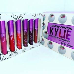 Набор помад KYLIE (Кайли) limited edition with every purchase фиолетовый набор