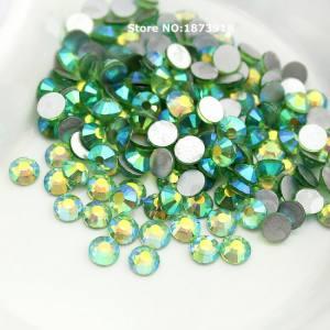 Стразы для декора ногтей  Green AB размер 1,4 SS3 100 шт.