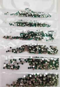 Стразы для ногтей Emerald 1440шт. отдельная фасовка размеров